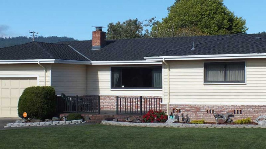 Homeowners Redwood Empire Roofing Inc Serving